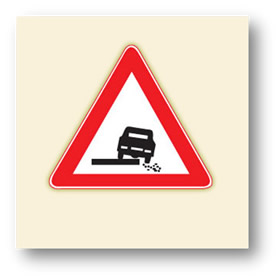 trafik tehlike uyarı işaretleri düşük banket