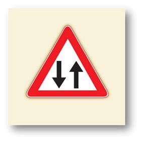 trafik tehlike uyarı işaretleri iki yönlü trafik