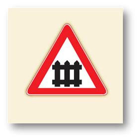 trafik tehlike uyarı işaretleri kontrollü demiryolu geçidi
