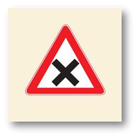 trafik tehlike uyarı işaretleri kontrolsüz kavşak